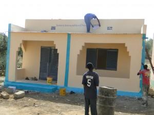 Fin des travaux du projet d'une nouvelle classe à Kalagué 20.12.2014 (2)