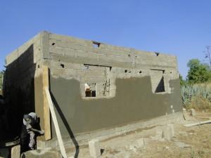 Vue de la façade postérieure de la nouvelle classe de  Kalagué le 7.12.2014