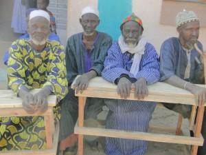 Notables de Kalagué à l'inauguration de la nouvelle classe
