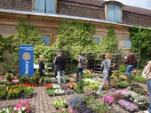 Un cadre idyllique pour le marché aux fleurs annuel du Rotary Club Malbrouck : Le Chateau de La Grange à Manom