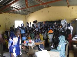 Les élèves de Dogoro remercient les donateurs des matériels scolaires